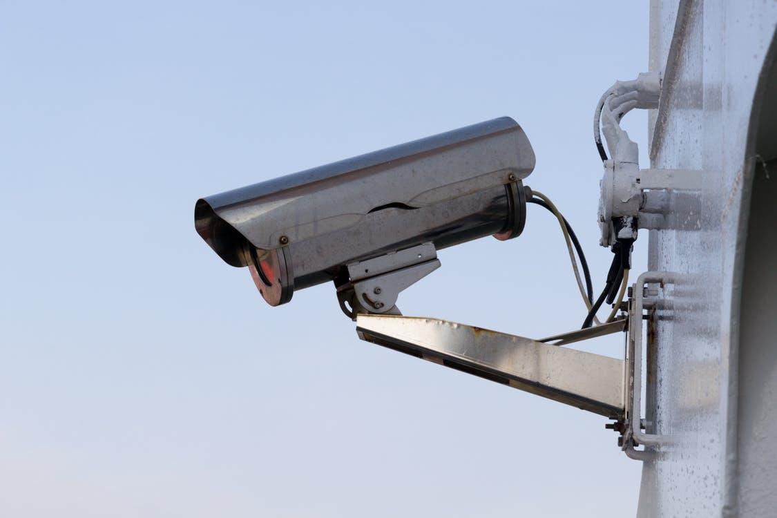 Камеры видеонаблюдения запечатлили правонарушение в Харькове
